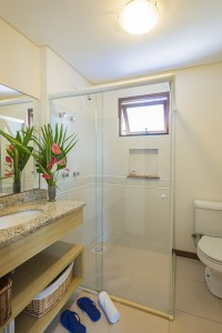 Pousada das Palmeiras Lagoa da Conceicao Florianopolis Suite lagoa banheiro