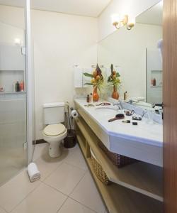 Pousada das Palmeiras Lagoa da Conceicao Florianopolis Suite Palmeira banheiro objetos