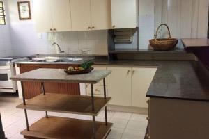 pousada das palmeiras florianopolis bangalo rustico cozinha com balcao extenso